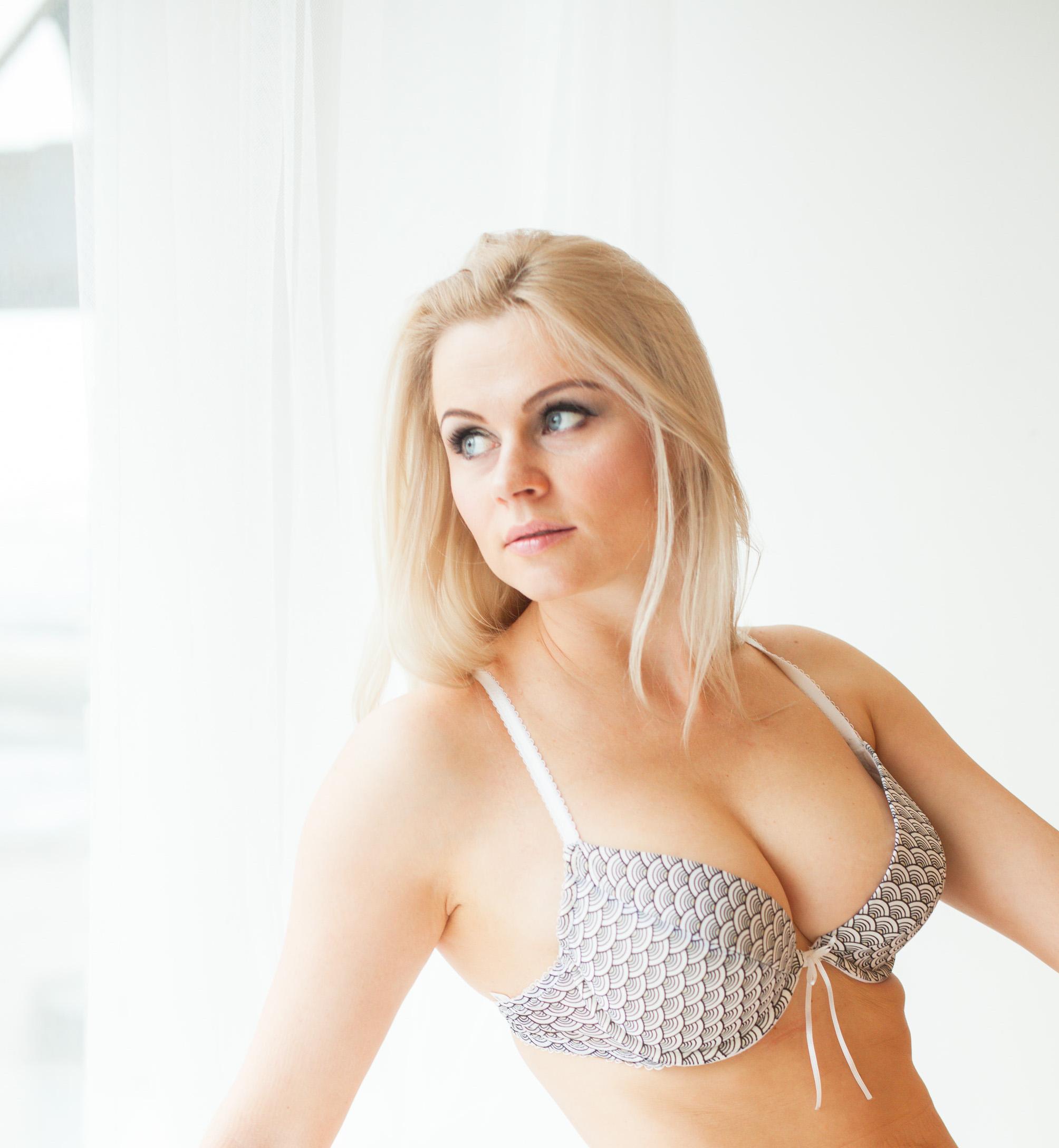 Monique Covet XXX videos. Free Monique Covet porn & sex tube video clips